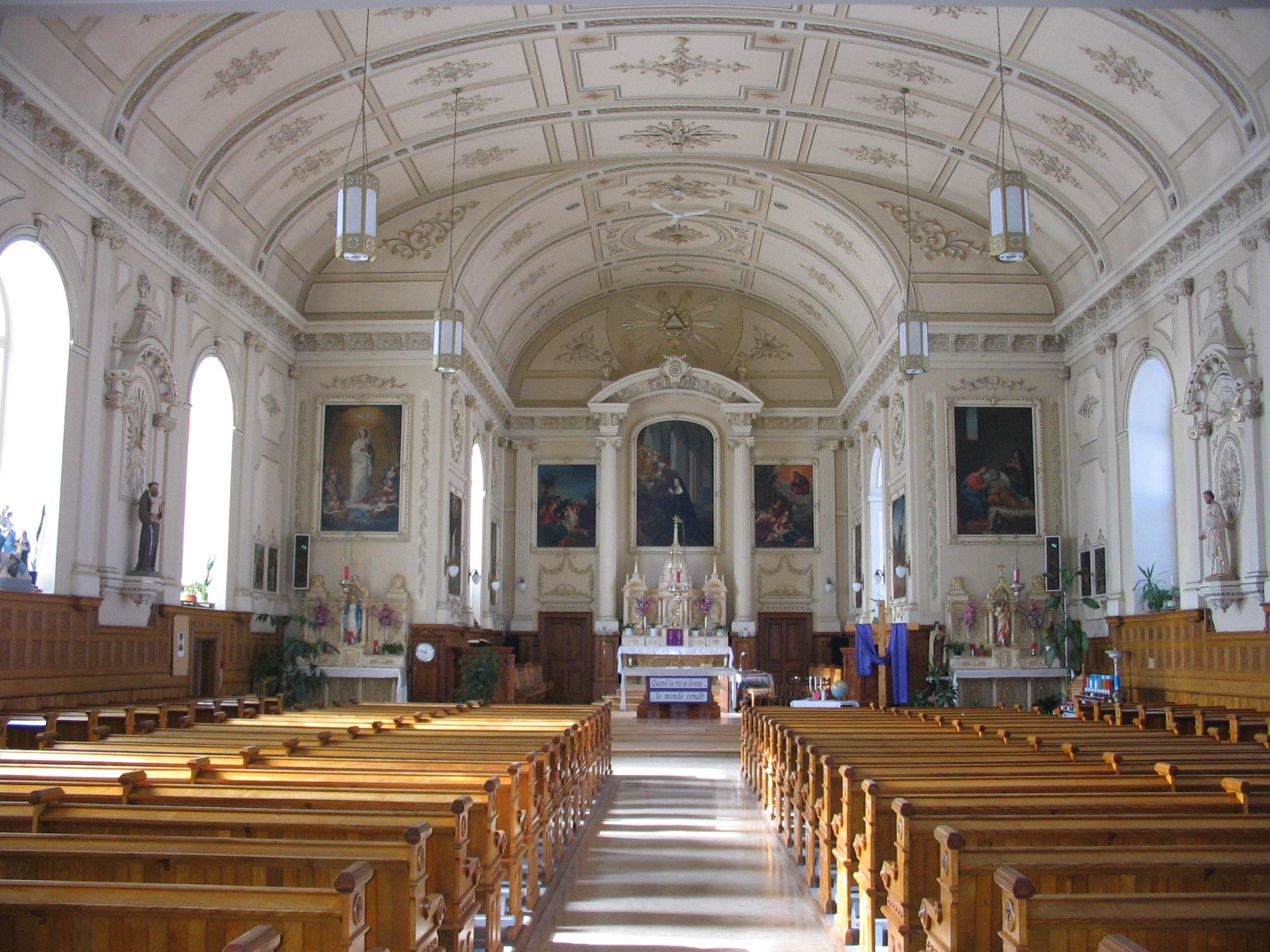 Église Sainte-Gertrude, intérieur