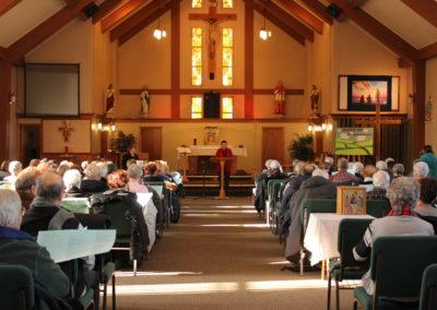 Environ 120 personnes qui participent à la liturgie dans leur communauté chrétienne ont assisté à cette présentation.