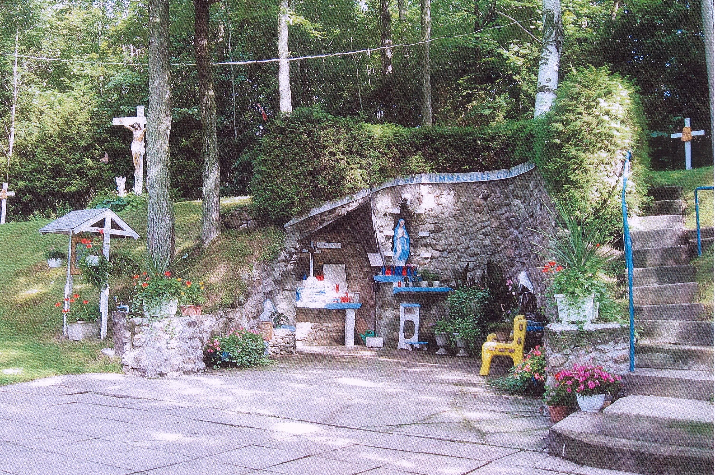 Calendrier Des Pelerinages Lourdes 2019.Pelerinage A La Grotte De Notre Dame De Lourdes Diocese De